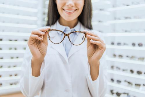 Opticien : un professionnel recherché