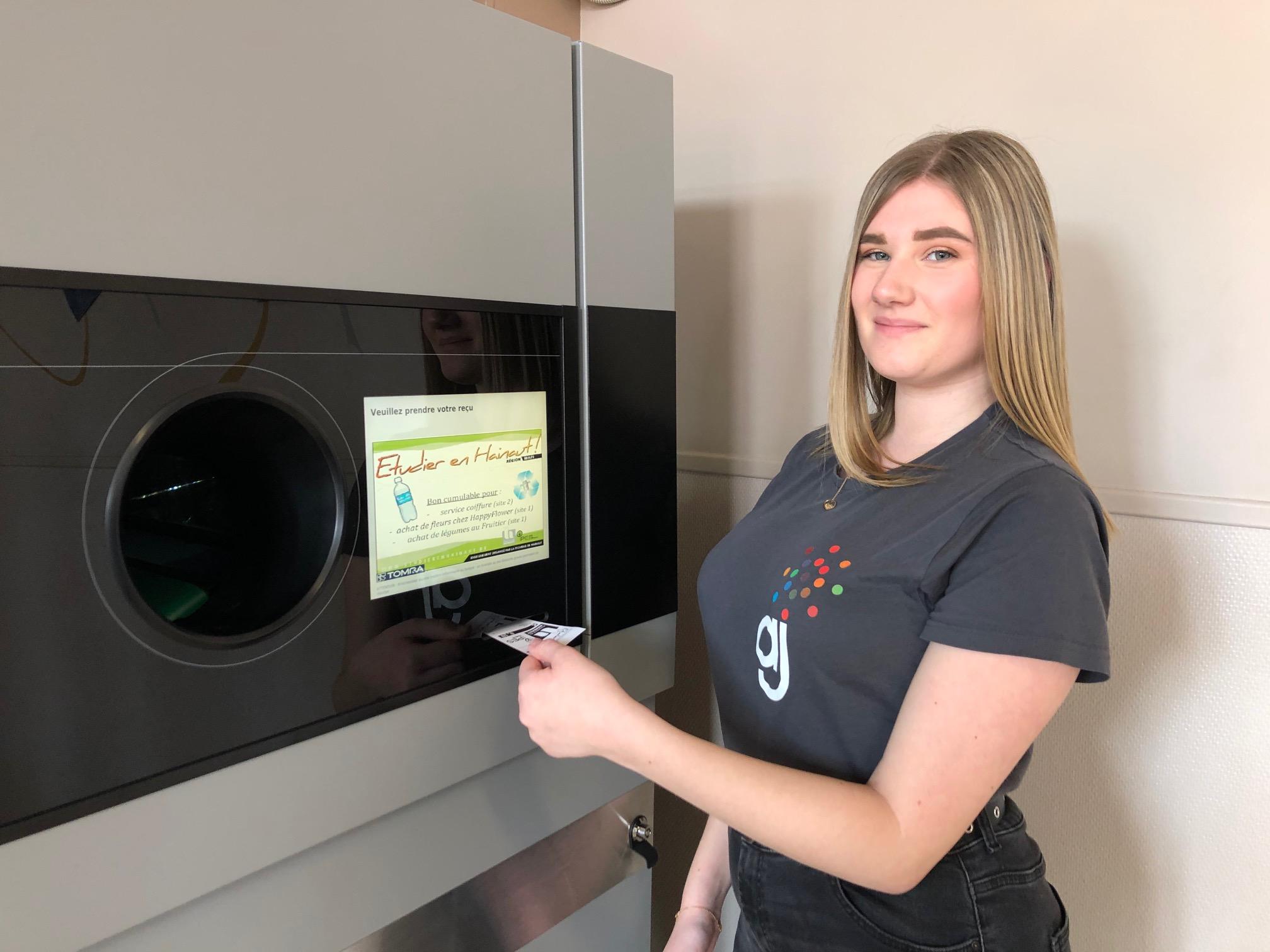 Un compacteur de cannettes et de bouteilles pour un recyclage gagnant à l'IPES Tournai !