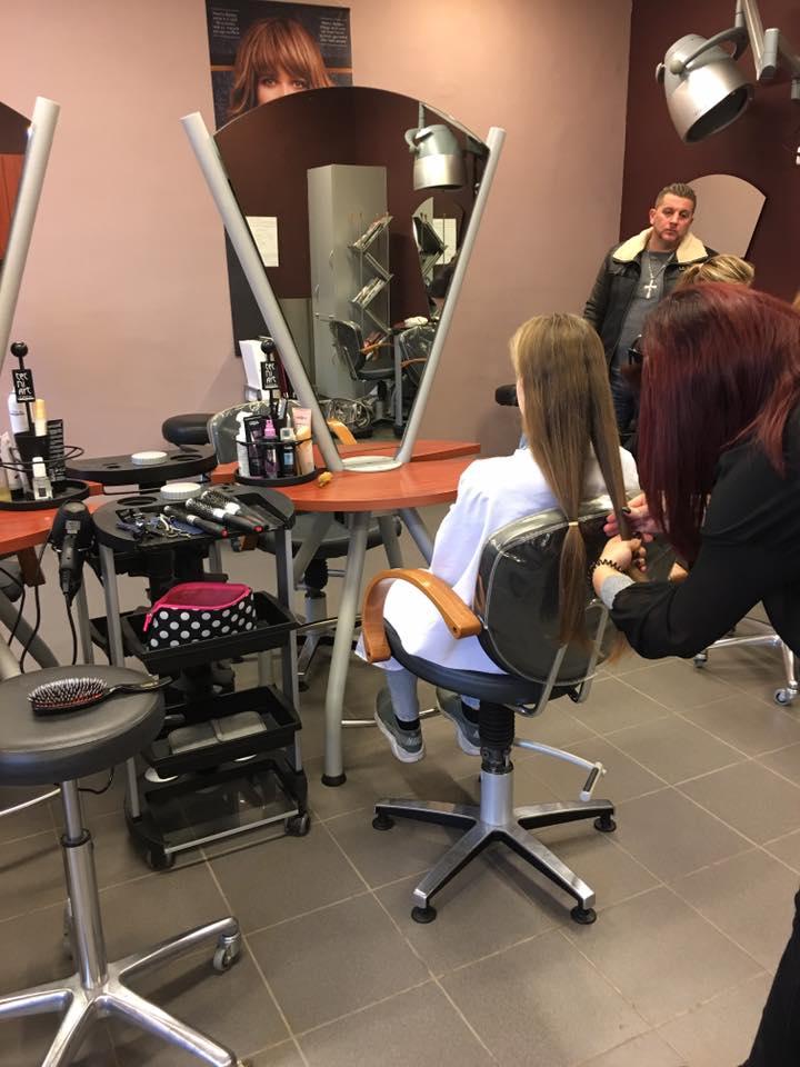 Octobre rose : don de cheveux à l'IPES Tournai