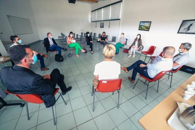 Une délégation d'Hainaut Enseignement en visite au Collège Léonard De Vinci de Carvin