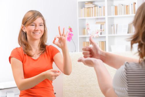 Devenez interprète en langue des signes