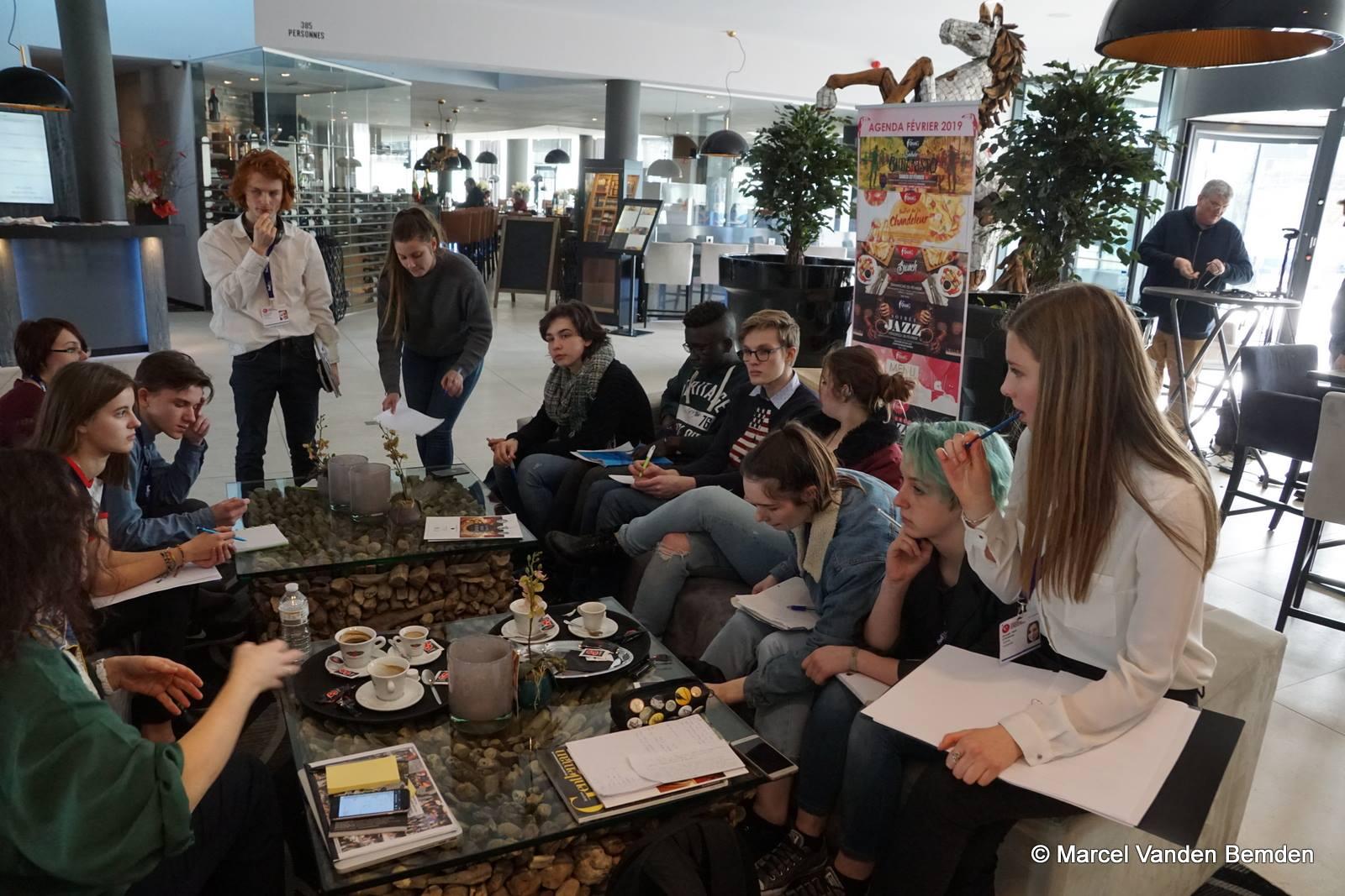 Nos élèves vous font découvrir le Festival International du Film de Mons