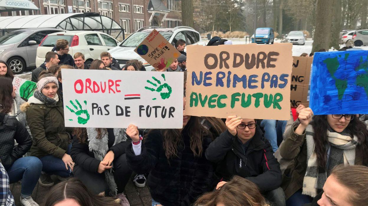 Morlanwelz: des étudiants ont effectué un sitting pour le climat