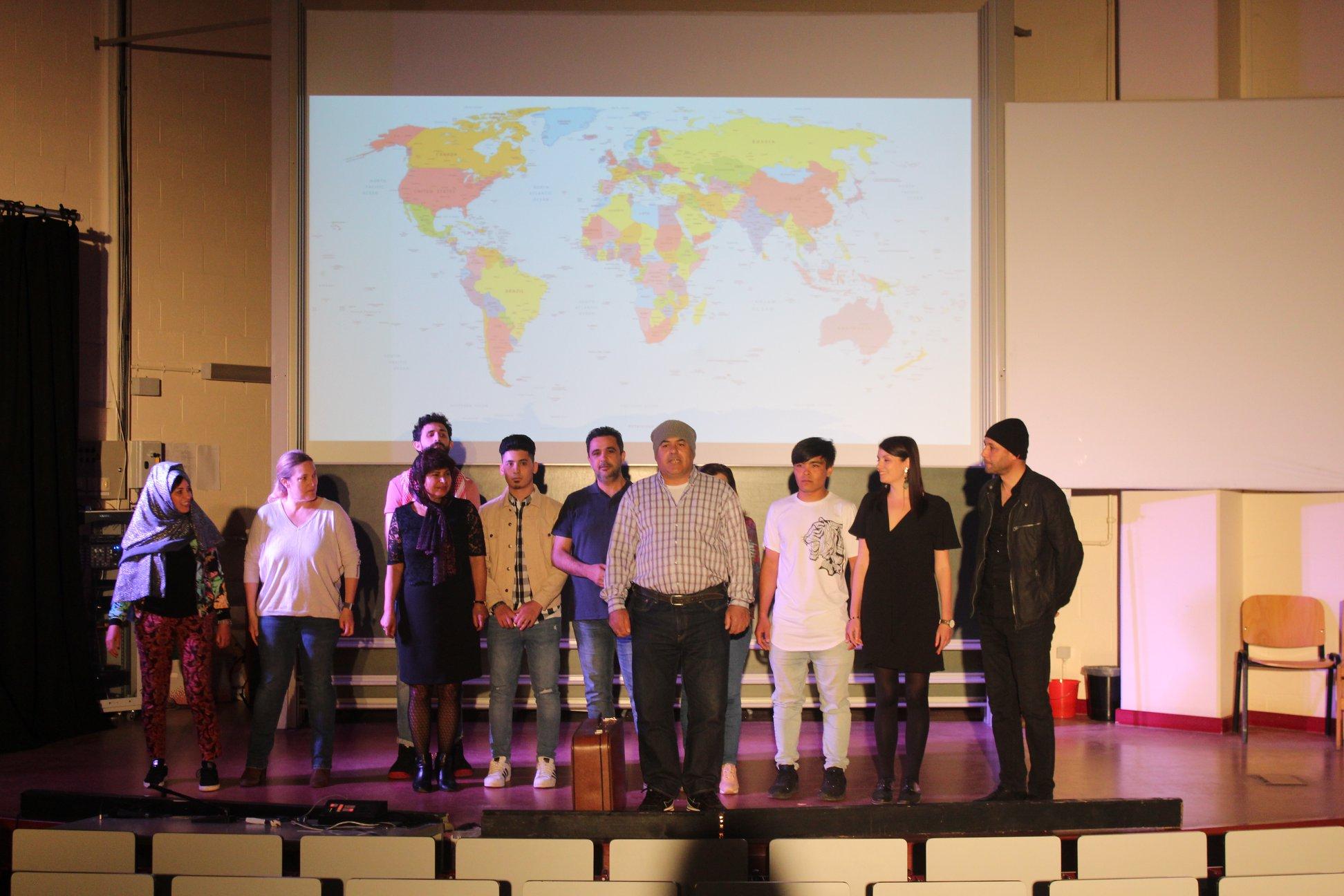 Succès et émotion pour le spectacle des étudiants de FLE