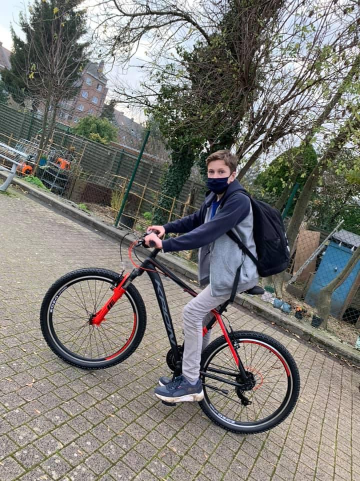 Des vélos pour aller en classe dehors!